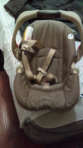 grace carseat for sale. It's Disney's Winnie the Pooh carseat.