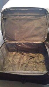 luggage cases cheap Kitchener / Waterloo Kitchener Area image 7