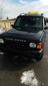 Fully Loaded and Powerful Land Rover Discovery