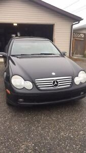 2004 Mercedes-Benz C-Class Kompressor Coupe (2 door)