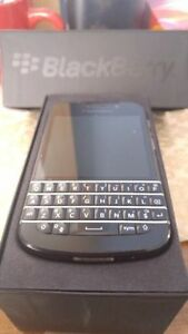 Unlocked Blackberry Q10 9/10 + Freedom