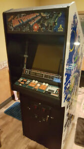 Stand Up Vintage Arcade Asteroids Deluxe - video game console