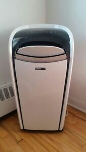 Uberhaus Portable Air Conditioner 10,000 BTU, Climatise Portatif