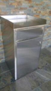 Stainless steel garbage can ( brand new )