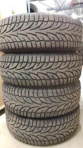 4 pneus d'hiver Winter Claw Extreme Grip 265/70/17