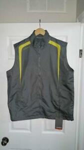 SUN ICE GOLF VEST SIZE XL BRAND NEW