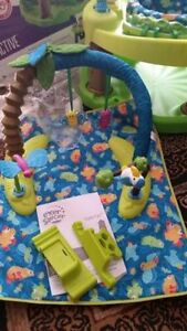Evenflo Triple Fun ExerSaucer like new used for one month Kitchener / Waterloo Kitchener Area image 2