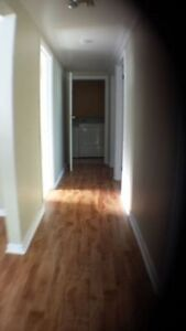 2 Bedroom Apartment Available - move in mid-December!