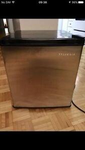 Mini frigo refrigerateur, fridge,frigidaire,nevera,heladera,co