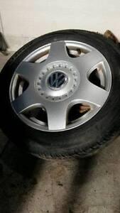 195/55R16 5/100 pneus état neuf mag tres propre droite