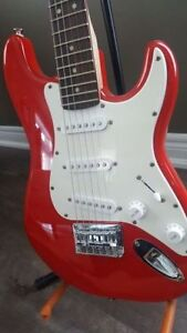 Fender Mini Squire with stand, strap and bag - LIKE NEW!
