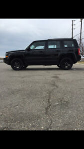 2015 Jeep Patriot like new condition low price low kms- private