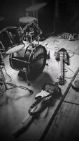 Singer wanted for rock band / chanteur recherche pour band rock