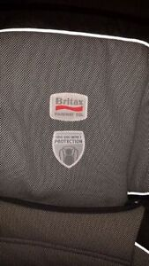 Britax Parkway SGL booster seat 40 - 120 pounds London Ontario image 2