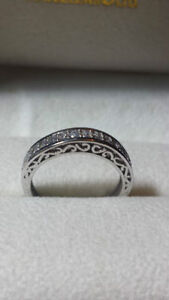 10k weding band  with CZ stones
