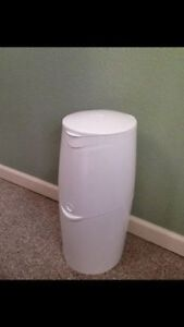 Diaper genie. AVAILABLE Gatineau Ottawa / Gatineau Area image 1