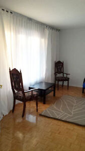 ROOM FOR RENT IN NORTH ETOBICOKE