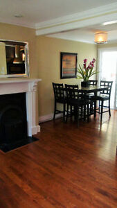Lovely downtown property on a quiet 1 way street  !