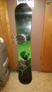 High end GNU (USA MADE) $900 set up 160 CM snowboard