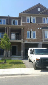 New 2BR Townhouse, Summit Park