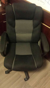TWO EXECUTIVE CHAIRS FOR OFFICE