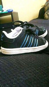 adidas sneakers size 4 boys