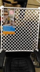 NEW Safety 1st Screen Door Saver in White 42095