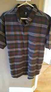 Mens large new DC button short sleeve shirt St. John's Newfoundland image 2