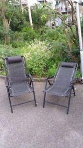 2 chaises longues aérées polyvalentes ajustables / 2 polyvalent
