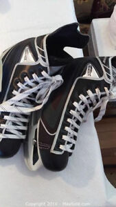 Like NEW CCM Mens Skates