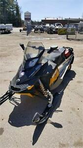 2009 SKIDOO MXZ 800R IN VERY NICE CONDITION 3500KMS