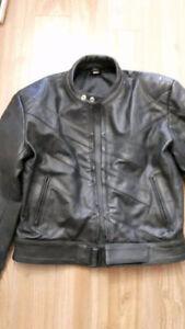 Vêtements cuir pour moto