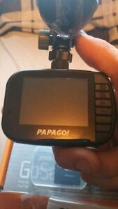Papago GS272 GoSafe Full HD 1080p Dashcam with 2.4in LCD Screen Kitchener / Waterloo Kitchener Area image 2
