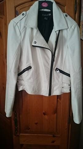 Forever 21, white leather Jacket. Size smallin Barrow Upon Soar, LeicestershireGumtree - Forever 21, white leather jacket in size small. Good condition. Not real leather