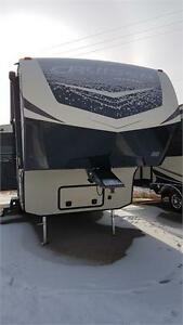 2017 CrossRoads Cruiser Aire 29SI *COUPLES* FIFTH WHEEL