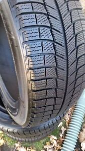 215 60 17 Michelin X-Ice Winter Tires LIKE NEW SET OF 4