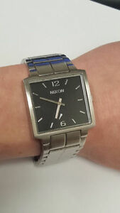 Nixon - the District watch
