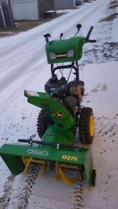 John Deere 827E SNOWBLOWER - AS NEW