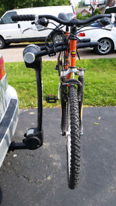 Thule 9028XT Vertex 2-Bike Hitch Rack