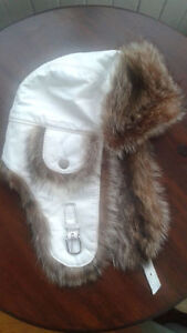 Fur and white leather hat HARRICANA par Mariouche