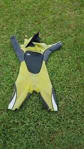 Quiksilver boys wetsuit size 12 Cooranbong Lake Macquarie Area Preview