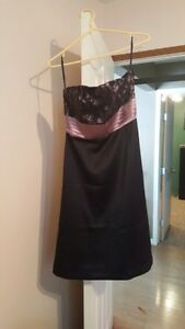 Sz. 4 pink and black strapless grad or party dress