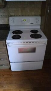 Full size Frigidaire electric stove