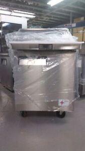 BRAND NEW SINGLE DOOR MEGA TOP SALAD/SANDWICH PREP TABLE $1.650