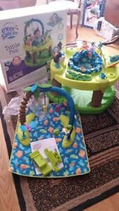 Evenflo Triple Fun ExerSaucer like new used for one month Kitchener / Waterloo Kitchener Area image 3