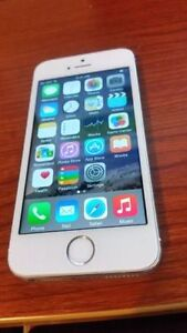 Bell/Virgin Silver Apple iPhone 5S - MINT Condition - No Issues