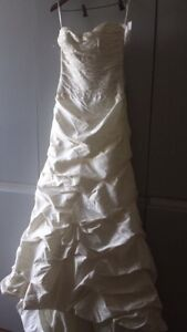 Paloma Blanca silk wedding dress size 8