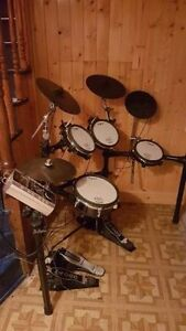 *PRICE DROP* ROLAND TD-9SX V-DRUMS with extras