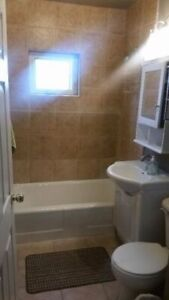 looking for 1 Roommate (quiet smoke free house) $500(6mo lease)