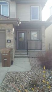 Great townhouse in North Ridge